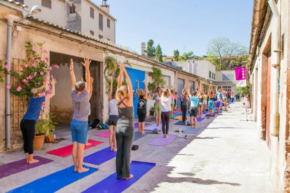 zunray yoga Studio - Nourish: The Guide